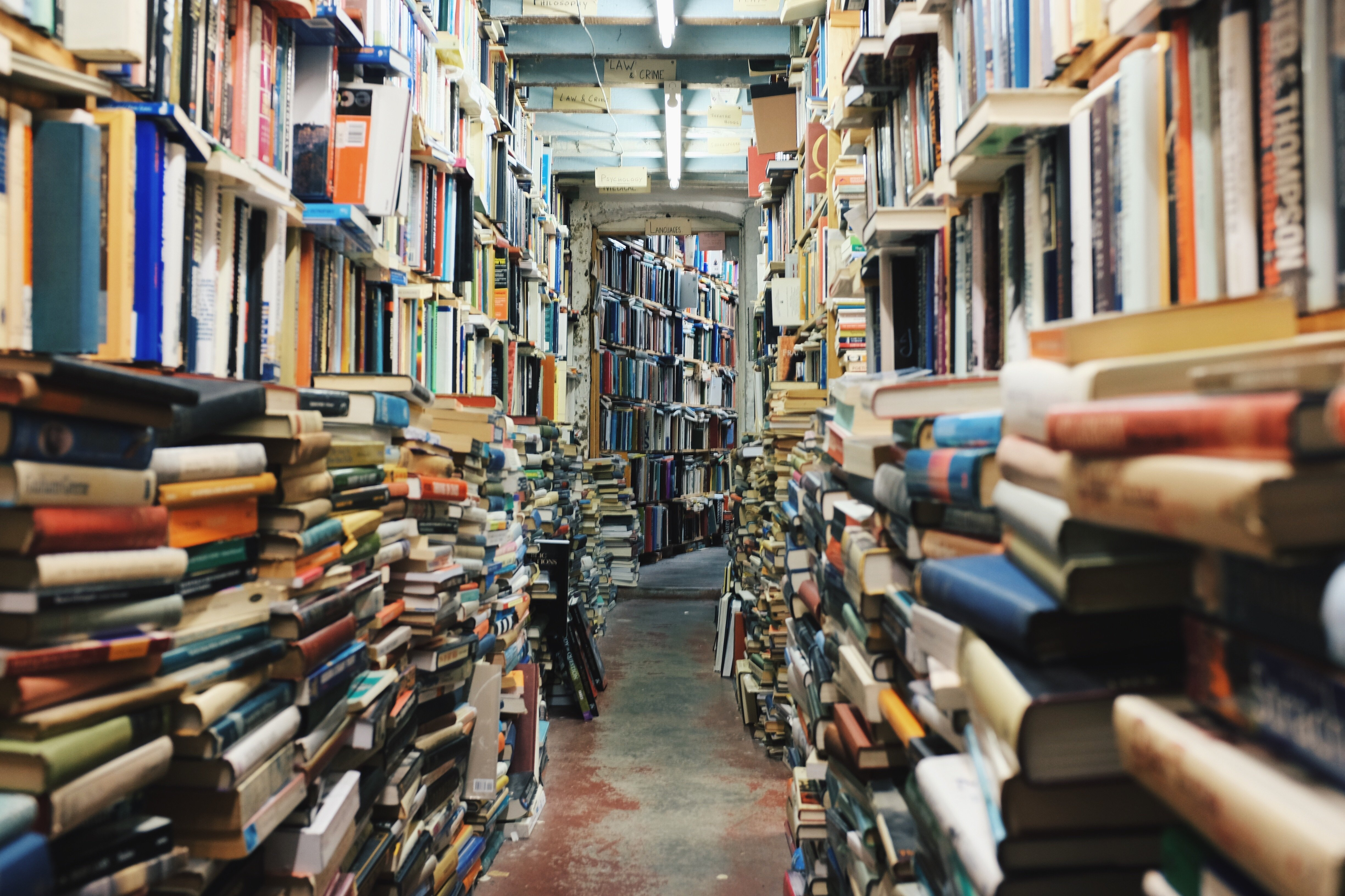 8 Quick Tips To Help You Read More Books - Can-pick-the-book-quick